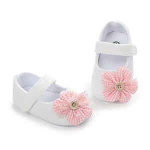 پاپوش نوزادی دخترانه گلدار چهارخانه رنگ سفید