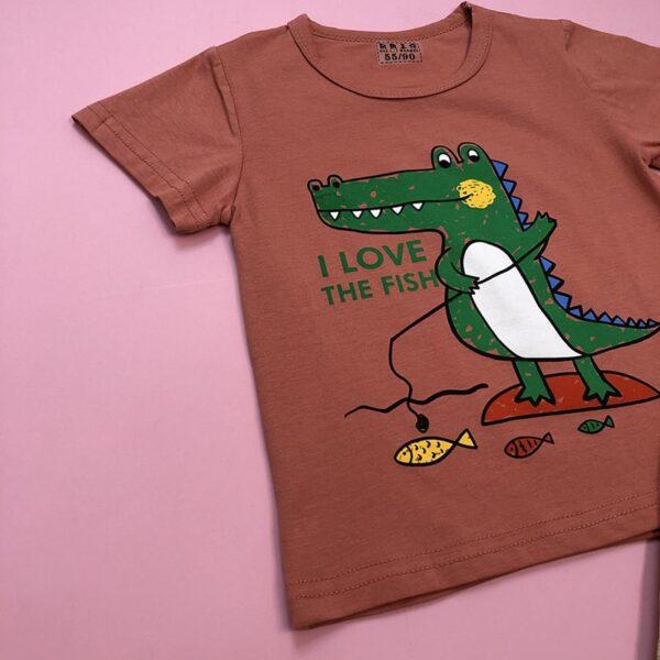 تصویر رنگ اصلی بلوز شورت بچه گانه طرح تمساح ماهیگیر غیرژورنالی