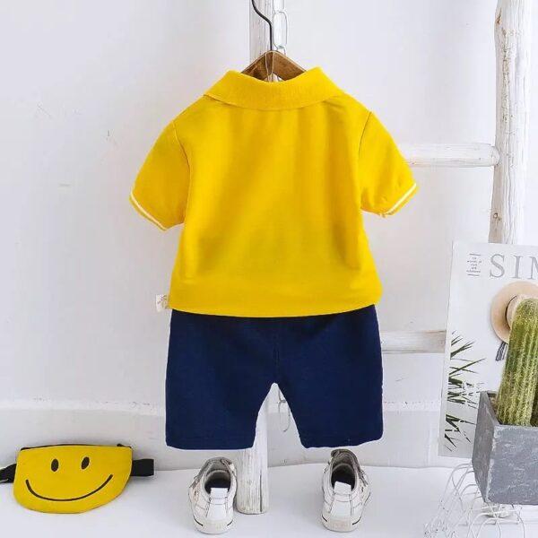 پشت لباس ست تی شرت و شورت بچه گانه طرح خرسی رنگ زرد