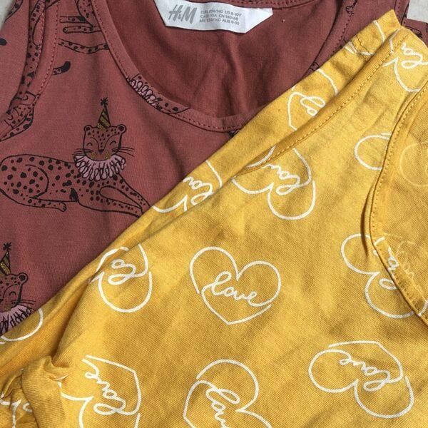 سارافون بچگانه ساحلی برند H&M نمای نزدیک رنگبندی زرد